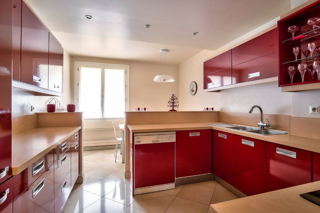 Appartement à vendre 5 125.56m2 à Versailles vignette-4