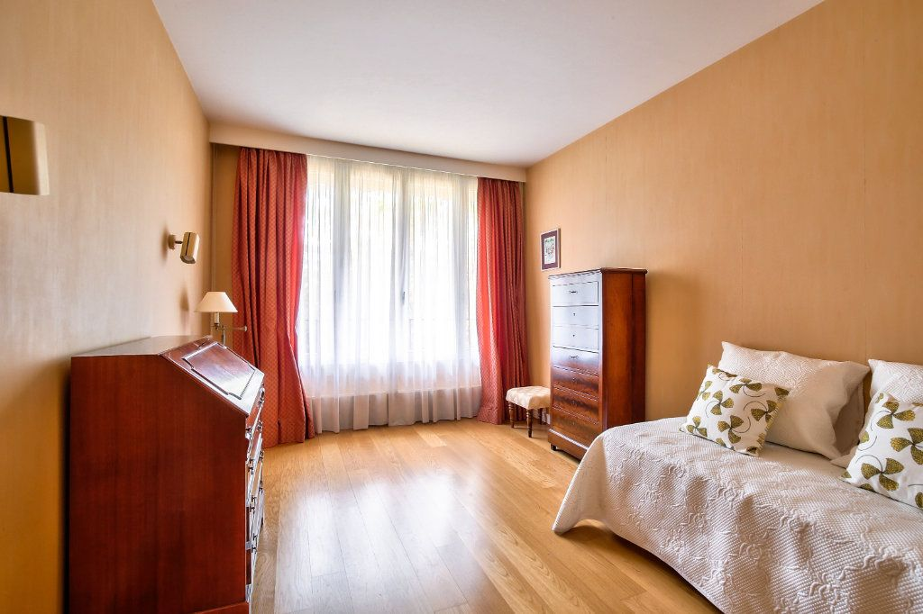Appartement à vendre 5 125.56m2 à Versailles vignette-6