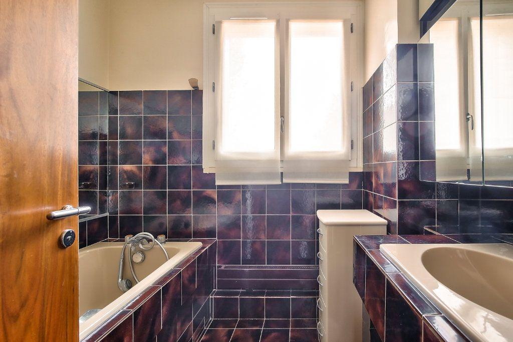 Appartement à vendre 5 125.56m2 à Versailles vignette-8