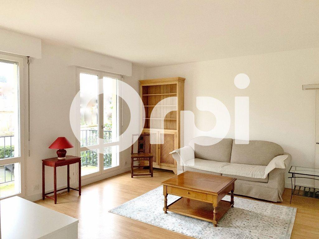 Appartement à louer 1 32m2 à Versailles vignette-1