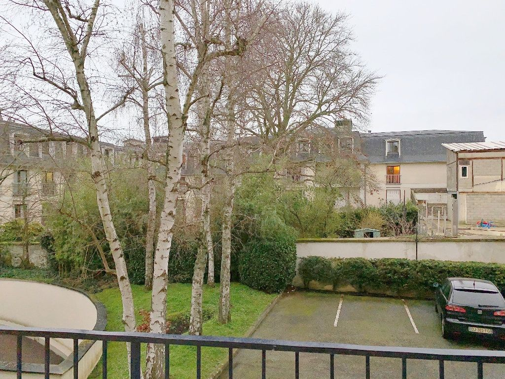 Appartement à louer 1 32m2 à Versailles vignette-5