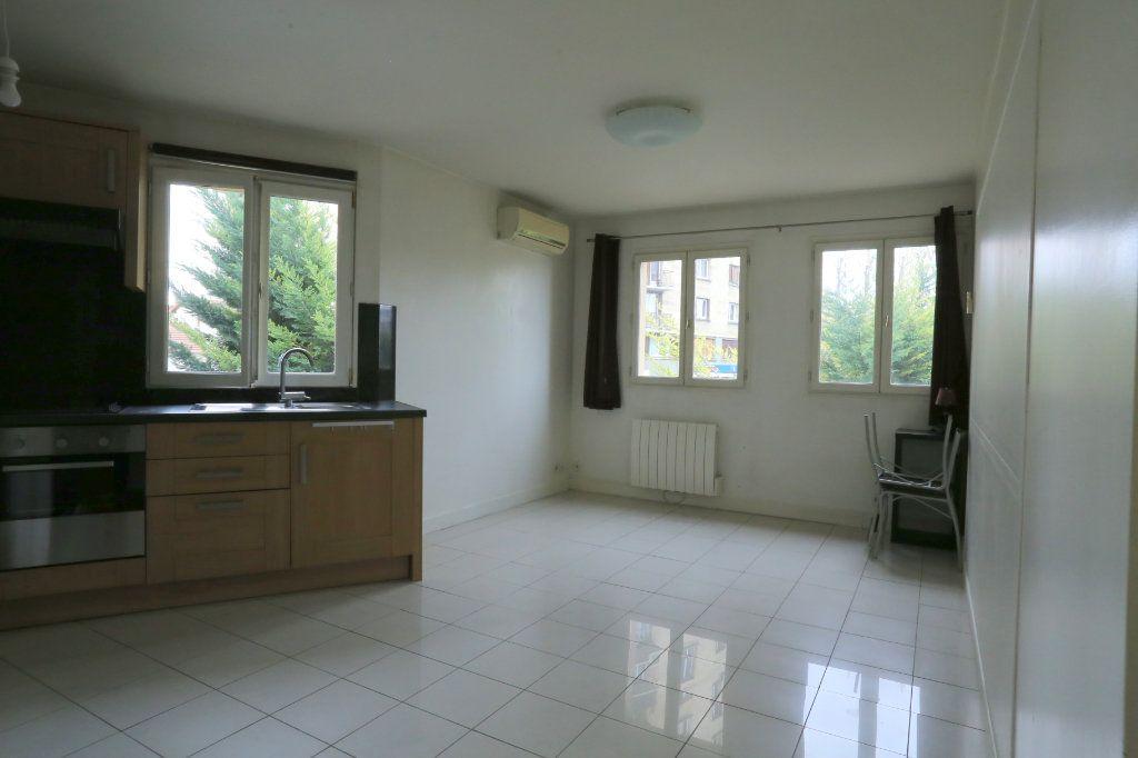 Appartement à louer 3 60m2 à Arcueil vignette-1