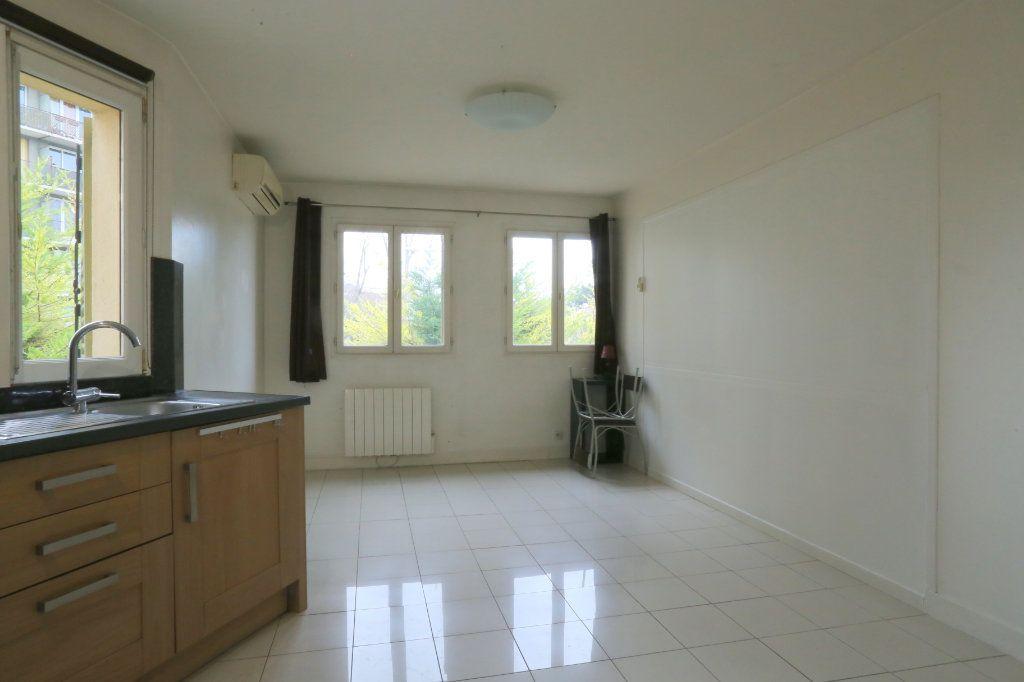 Appartement à louer 3 60m2 à Arcueil vignette-2
