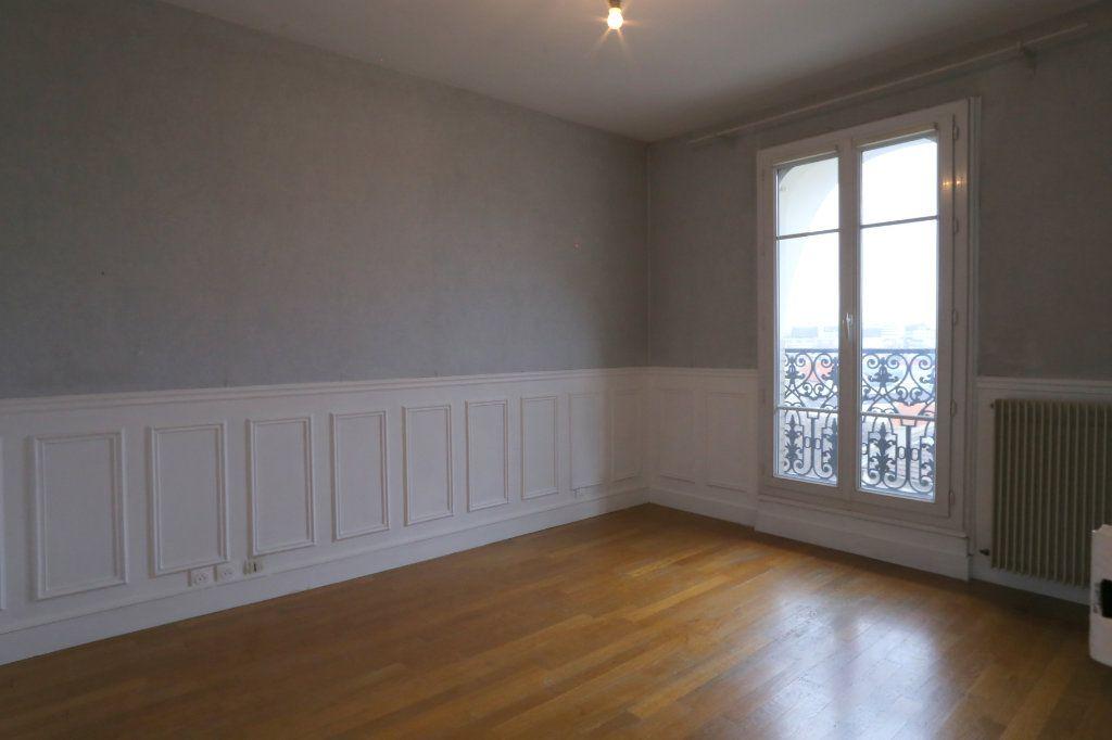 Appartement à louer 2 41m2 à Arcueil vignette-1