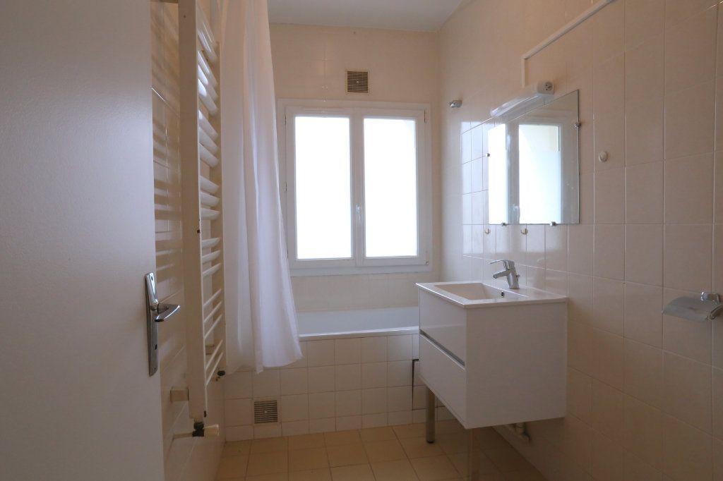 Appartement à louer 2 41m2 à Arcueil vignette-2