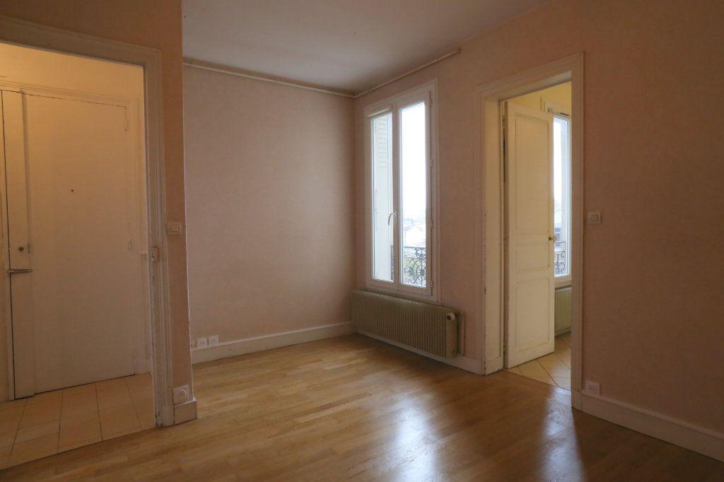 Appartement à louer 2 41m2 à Arcueil vignette-3