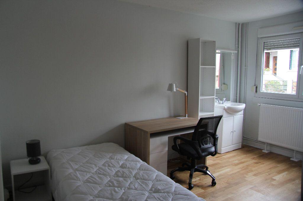 Appartement à louer 1 13m2 à Cachan vignette-1
