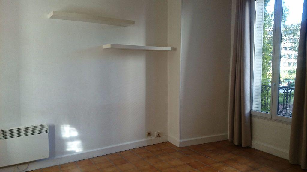 Appartement à louer 1 18.18m2 à Paris 14 vignette-2