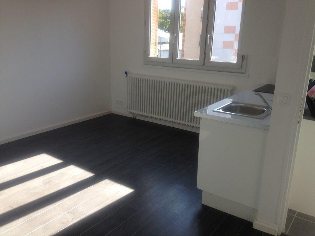 Appartement à louer 2 37m2 à Arcueil vignette-3