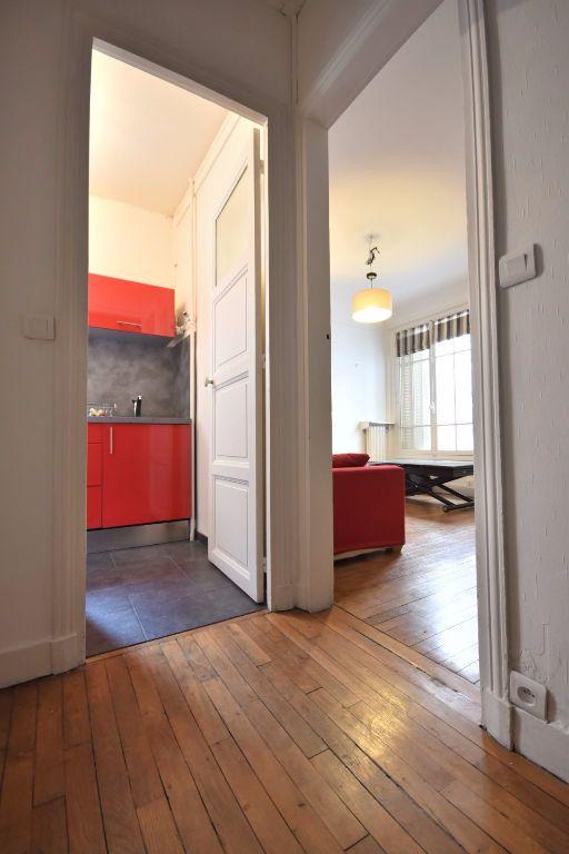 Appartement à louer 2 37m2 à Paris 13 vignette-4