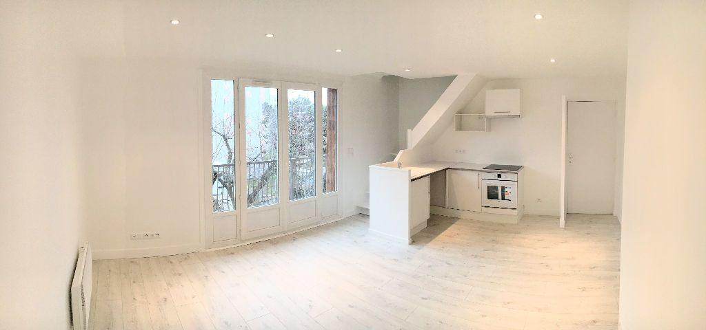 Appartement à louer 3 66m2 à Arcueil vignette-1