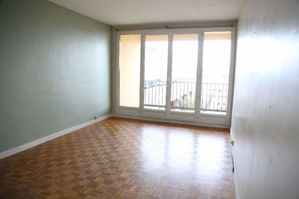 Appartement à louer 3 54m2 à Arcueil vignette-1