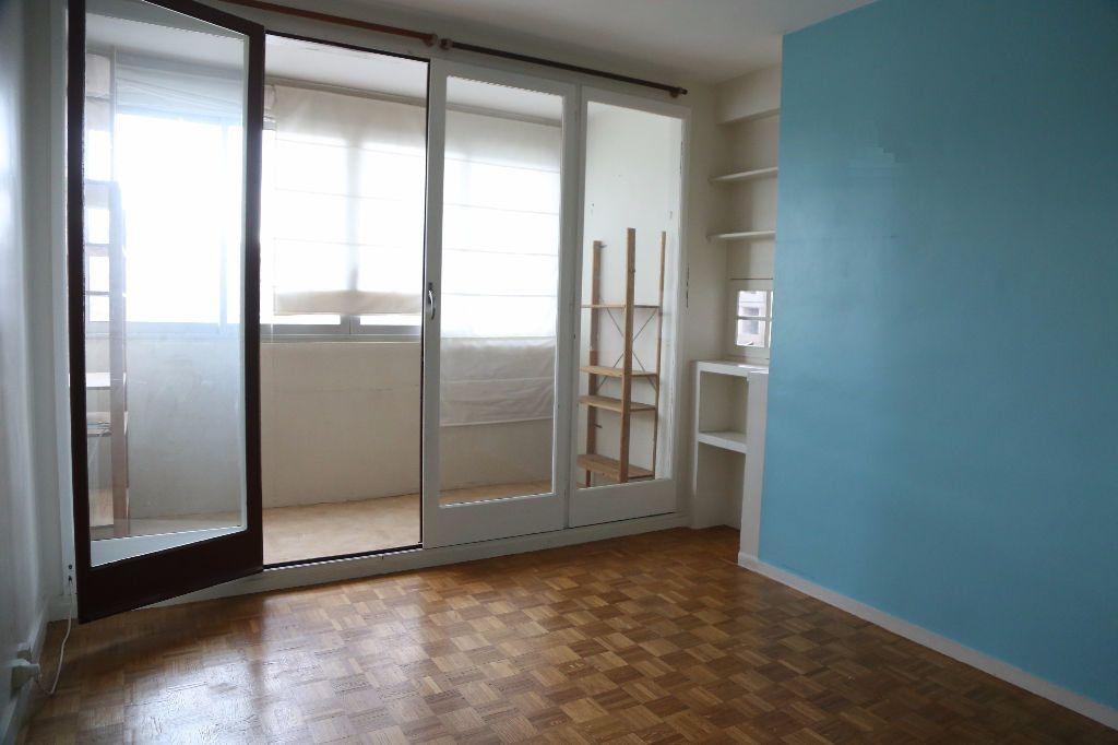 Appartement à louer 3 54m2 à Arcueil vignette-3