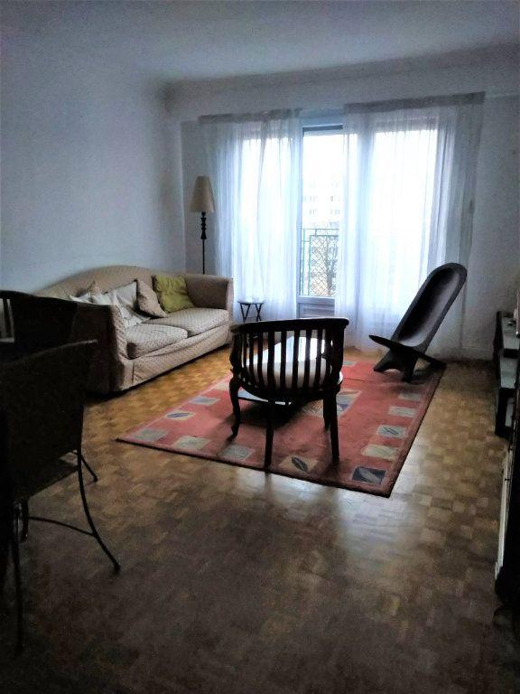 Appartement à louer 3 60m2 à Paris 13 vignette-1