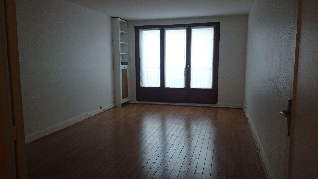 Appartement à louer 3 71m2 à Paris 13 vignette-2