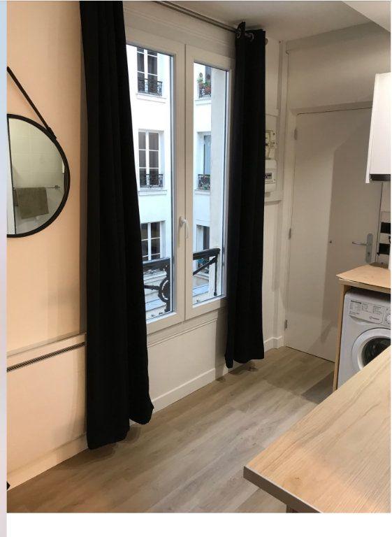Appartement à louer 1 17m2 à Paris 11 vignette-2