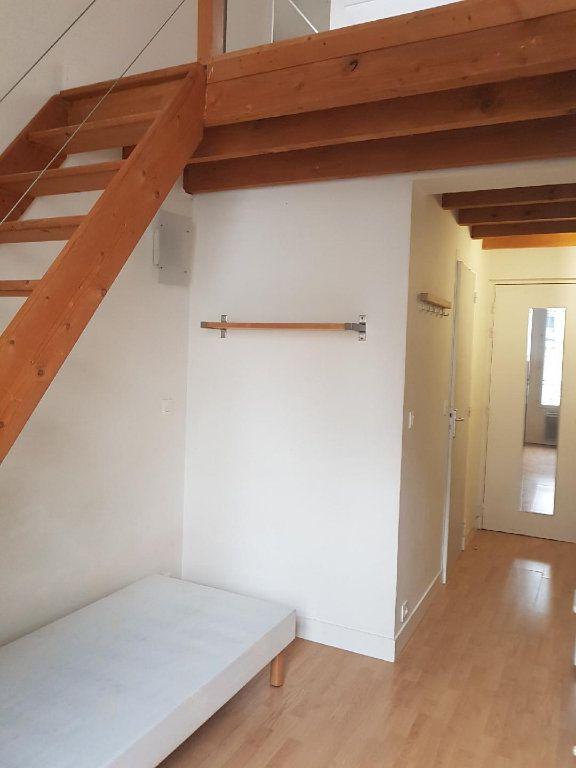 Appartement à louer 2 24m2 à Paris 12 vignette-2
