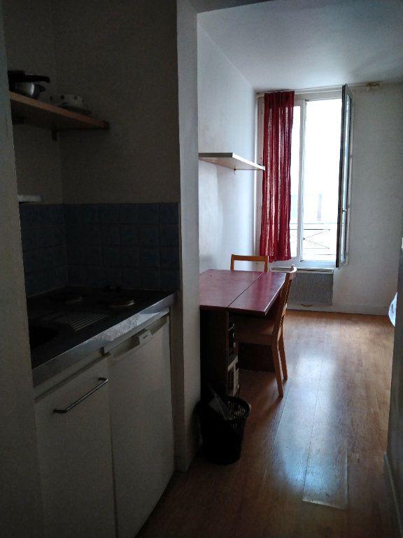Appartement à louer 1 17m2 à Paris 12 vignette-3