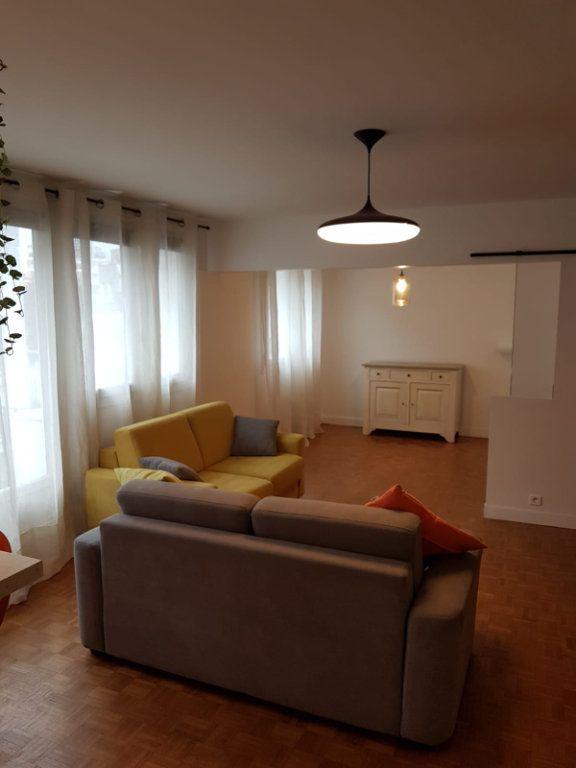 Appartement à louer 3 64m2 à Paris 13 vignette-1