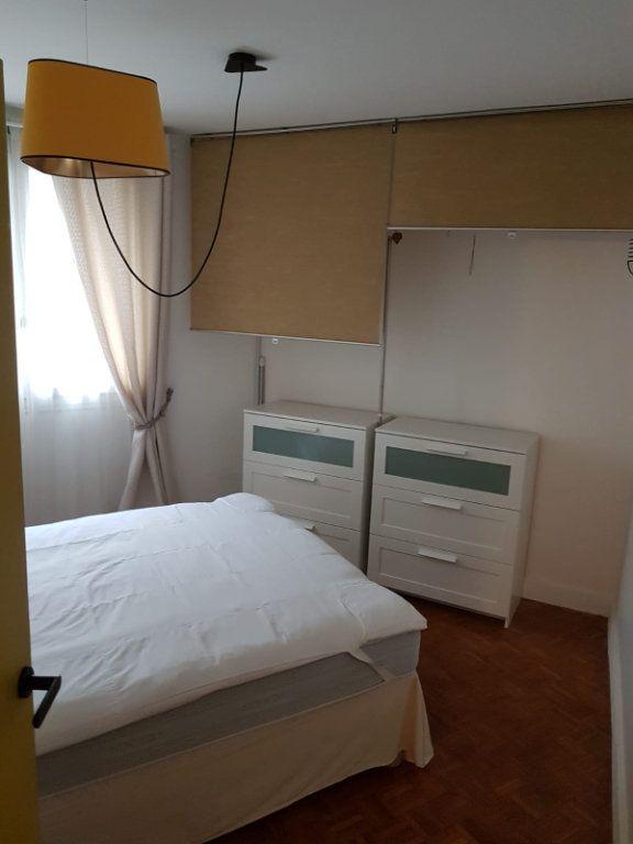 Appartement à louer 3 64m2 à Paris 13 vignette-6