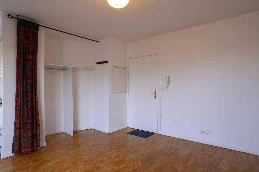 Appartement à louer 2 34m2 à Arcueil vignette-1