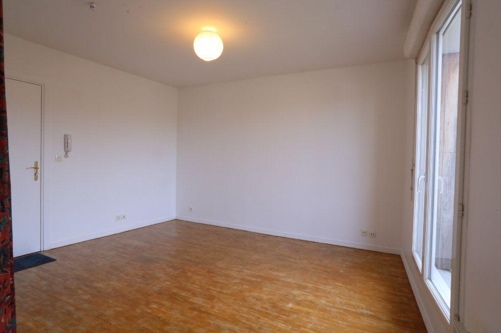 Appartement à louer 2 34m2 à Arcueil vignette-2