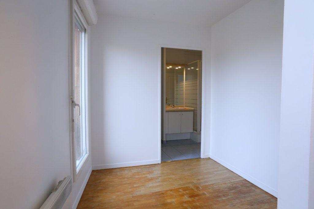 Appartement à louer 2 34m2 à Arcueil vignette-4