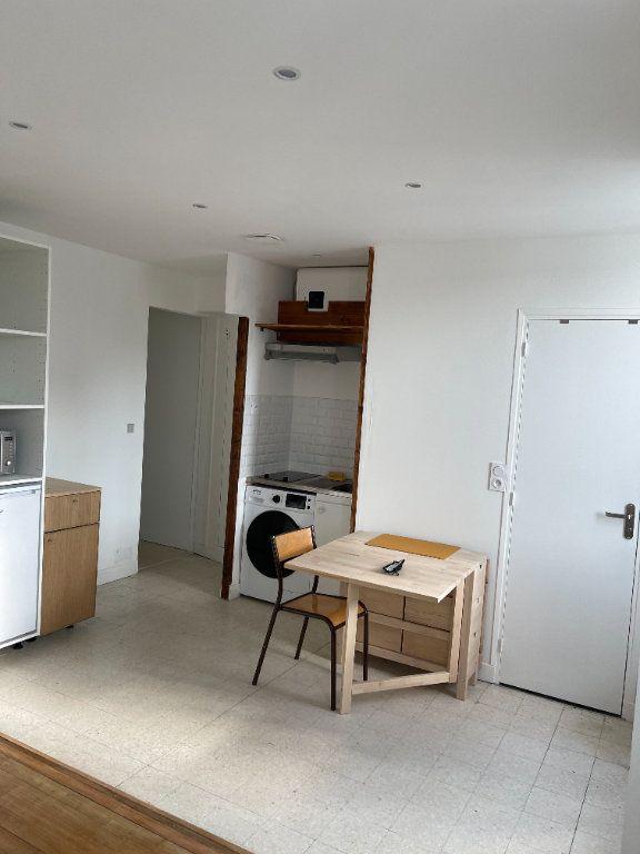 Appartement à louer 1 22m2 à Paris 11 vignette-2