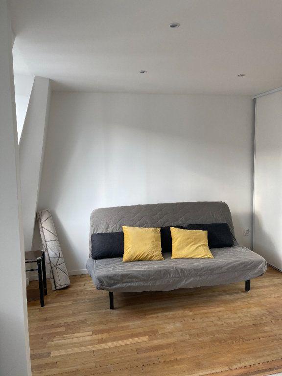 Appartement à louer 1 22m2 à Paris 11 vignette-3