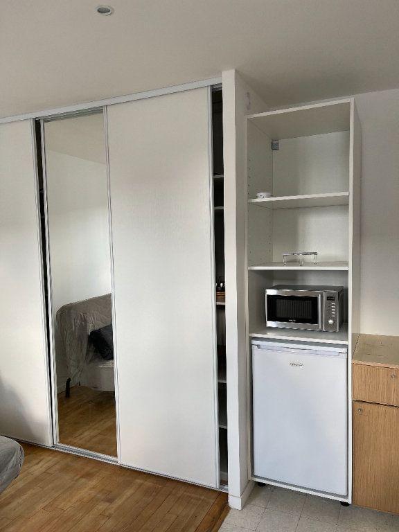 Appartement à louer 1 22m2 à Paris 11 vignette-4
