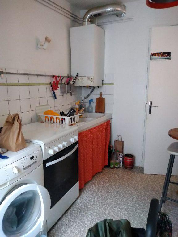 Appartement à louer 2 51m2 à Paris 10 vignette-5