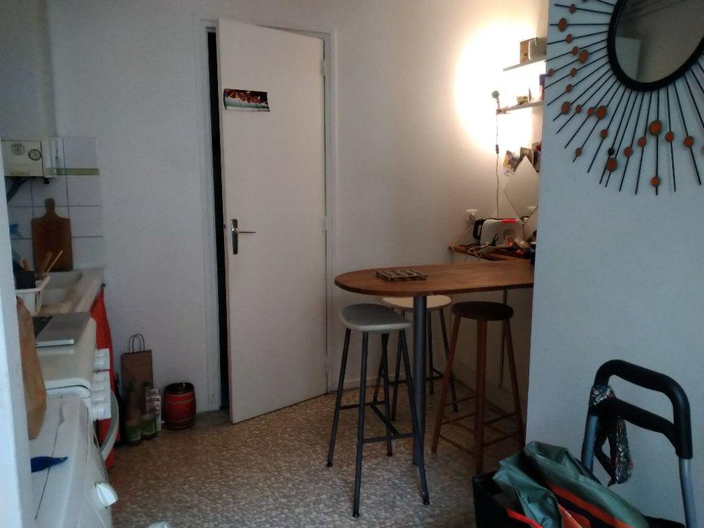 Appartement à louer 2 51m2 à Paris 10 vignette-6
