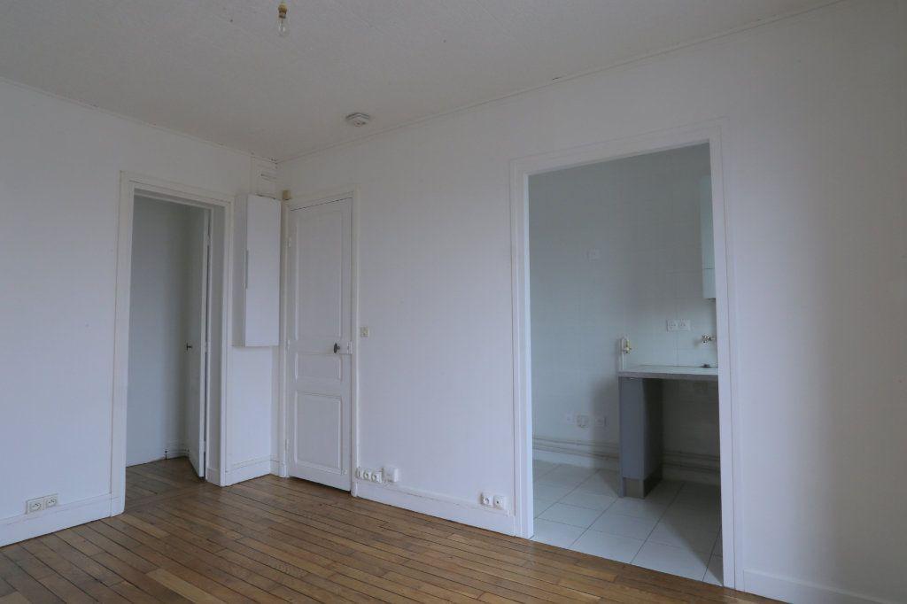 Appartement à louer 2 30m2 à Arcueil vignette-2