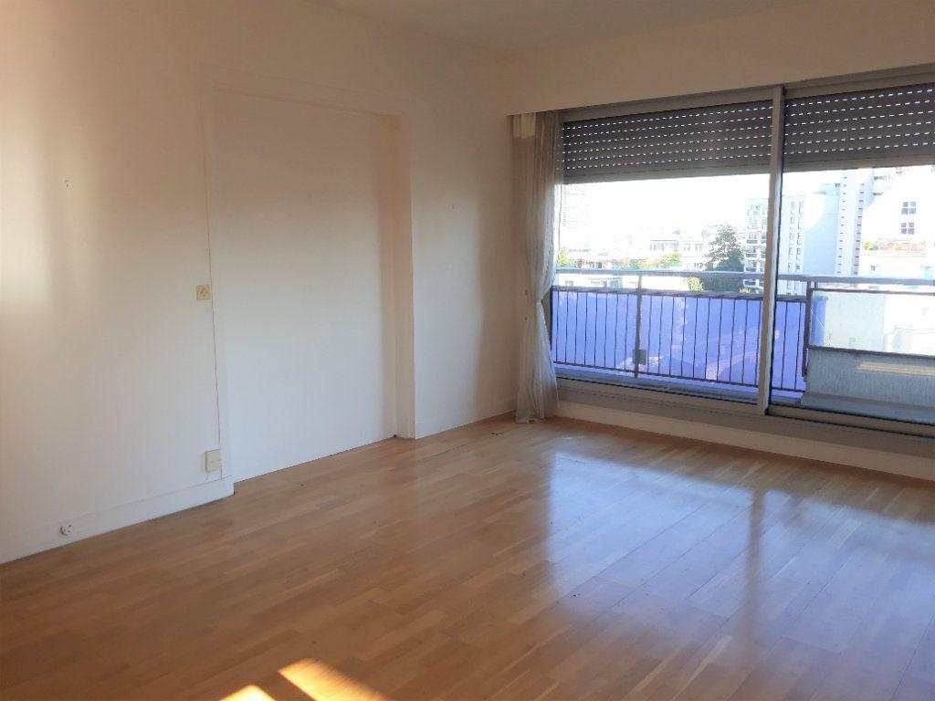 Appartement à vendre 3 71m2 à Paris 14 vignette-1