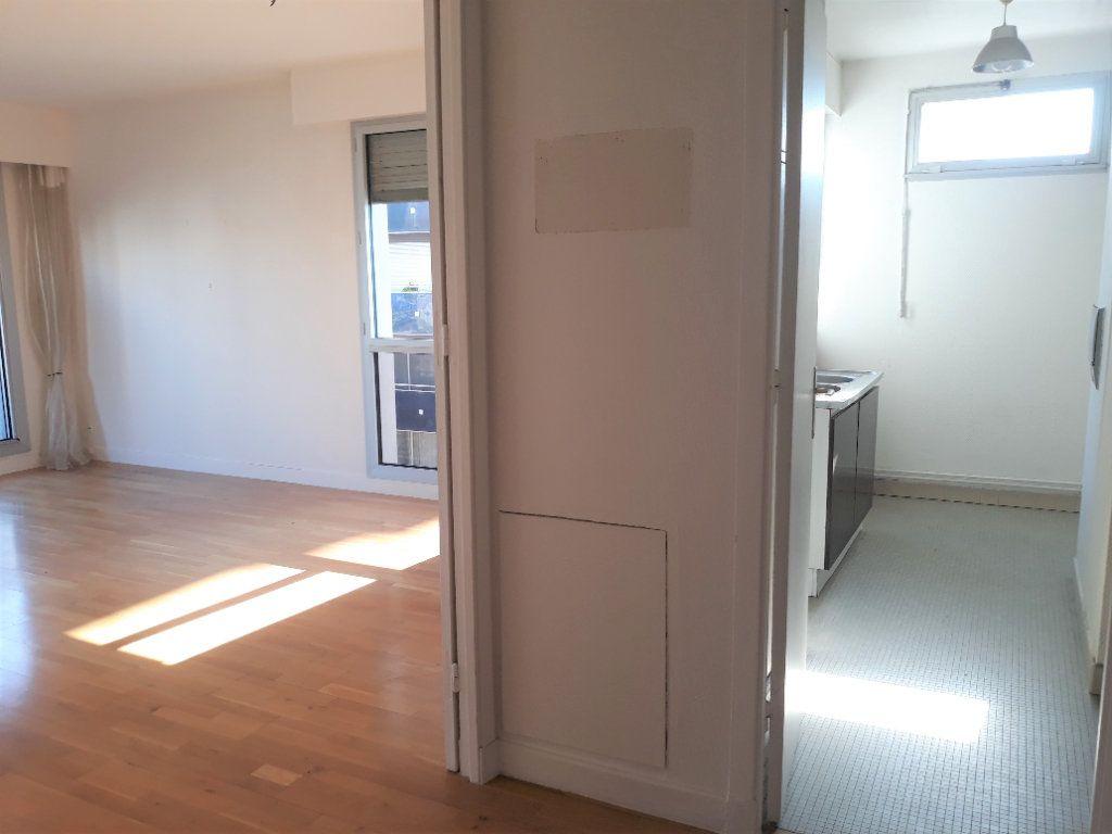 Appartement à vendre 3 71m2 à Paris 14 vignette-2