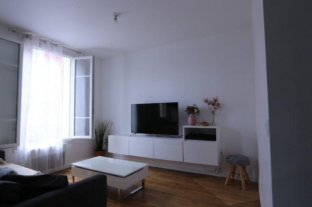 Appartement à vendre 2 30m2 à Arcueil vignette-1