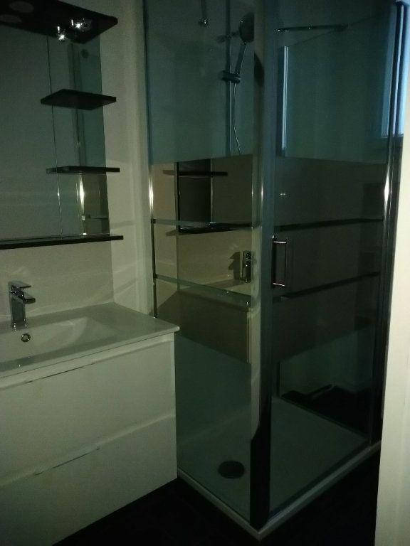 Appartement à louer 2 52m2 à Paris 16 vignette-4