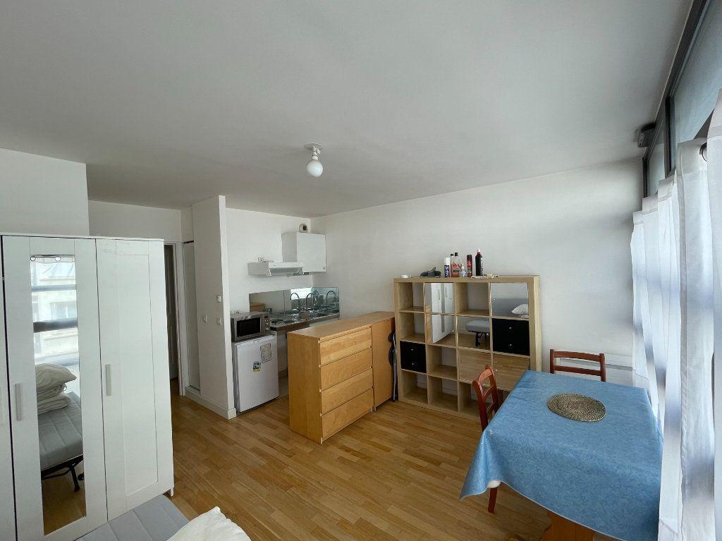 Appartement à louer 1 25m2 à Paris 13 vignette-1