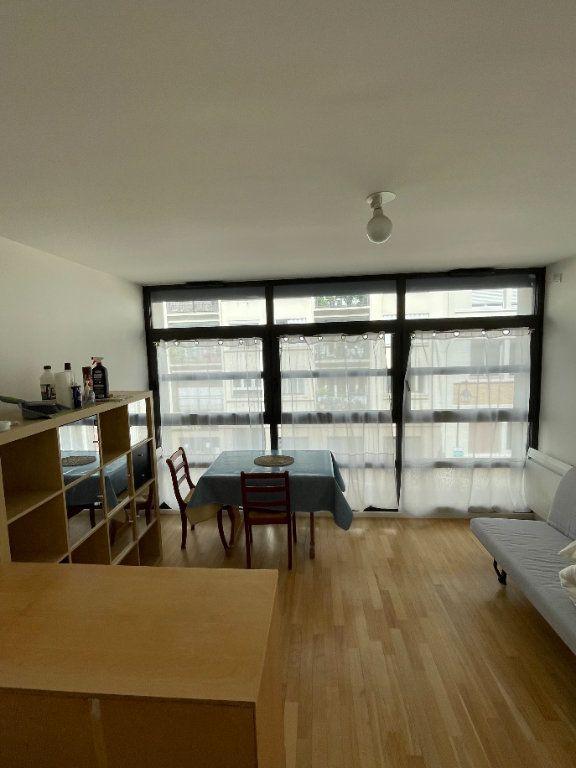 Appartement à louer 1 25m2 à Paris 13 vignette-2