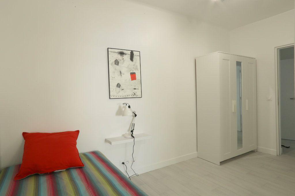 Appartement à louer 1 12m2 à Gentilly vignette-3