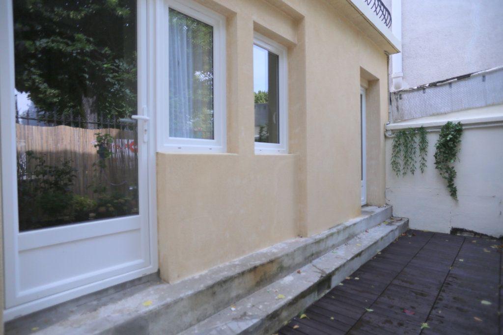 Appartement à louer 1 12m2 à Gentilly vignette-5