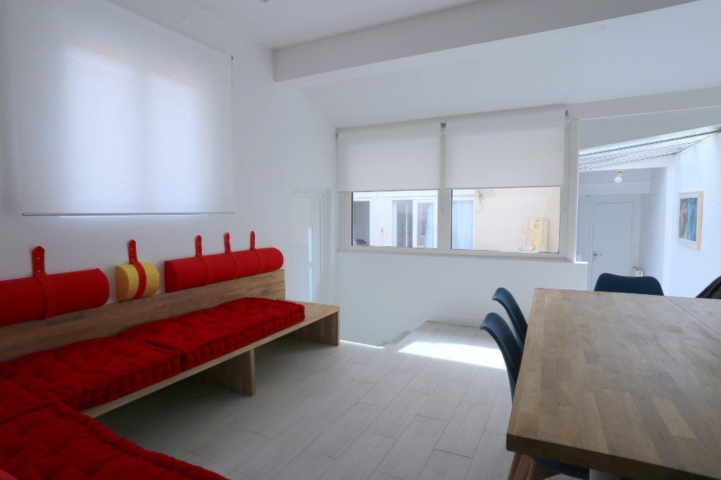 Appartement à louer 1 12m2 à Gentilly vignette-8