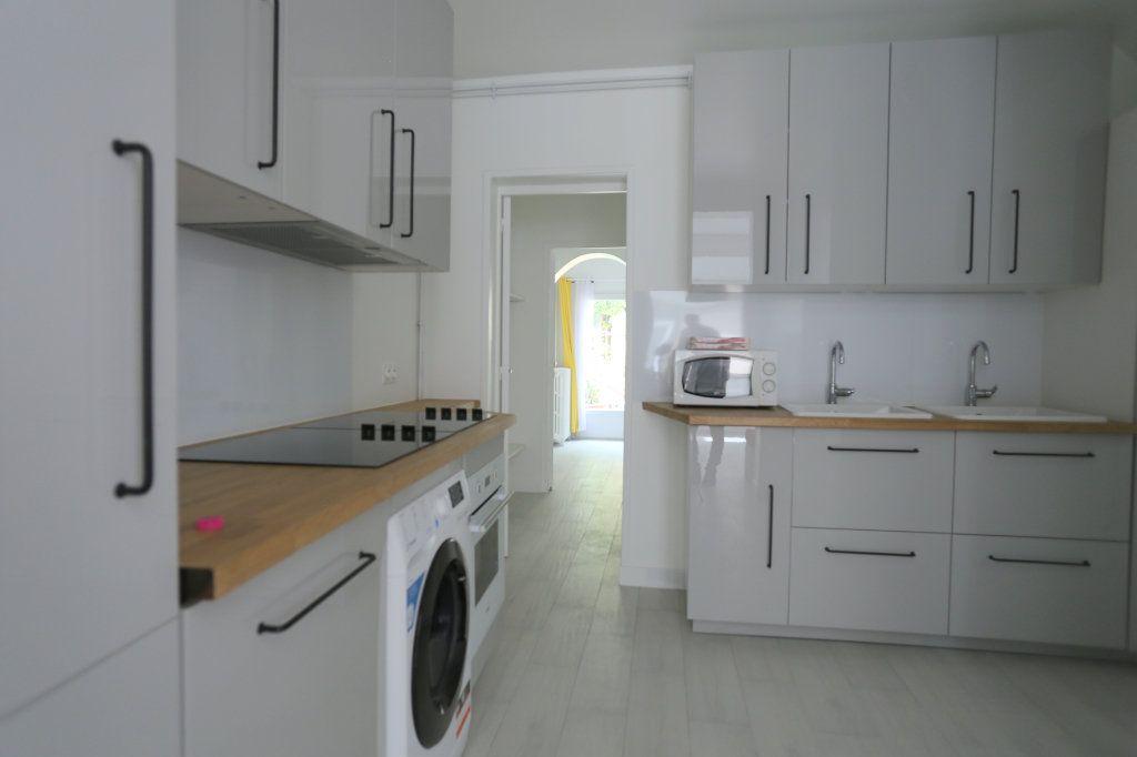 Appartement à louer 1 12m2 à Gentilly vignette-9