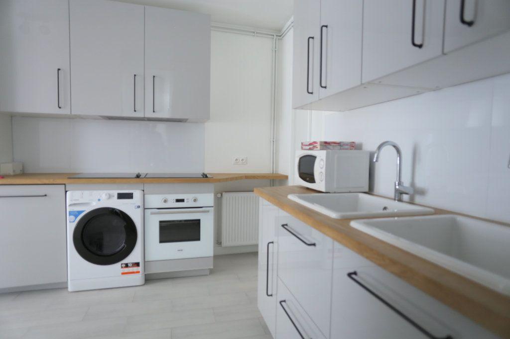 Appartement à louer 1 12m2 à Gentilly vignette-10