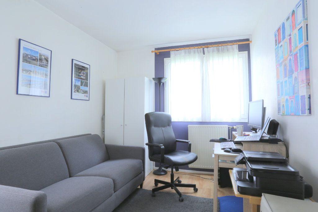 Appartement à louer 5 91m2 à Tours vignette-5