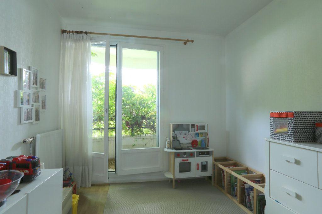 Appartement à louer 5 91m2 à Tours vignette-6