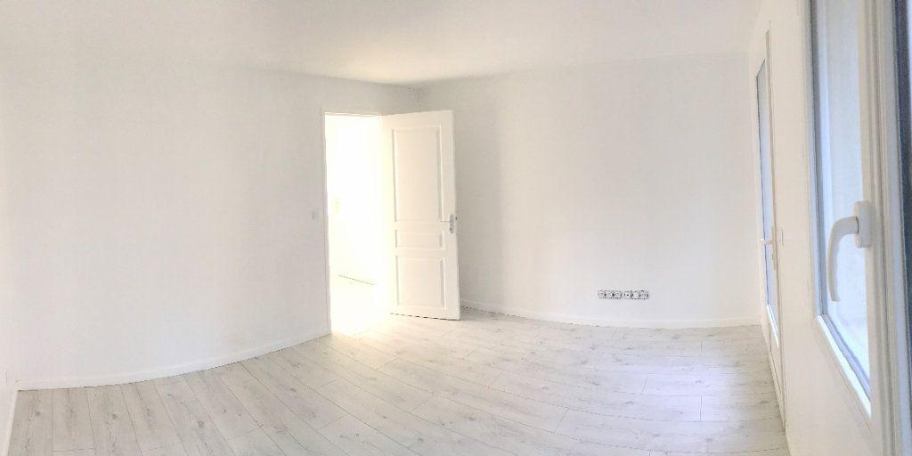 Appartement à louer 2 39m2 à Arcueil vignette-3