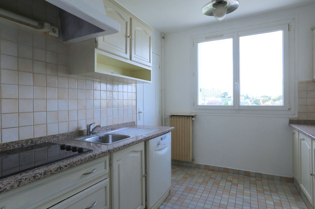 Appartement à louer 3 69m2 à Arcueil vignette-2