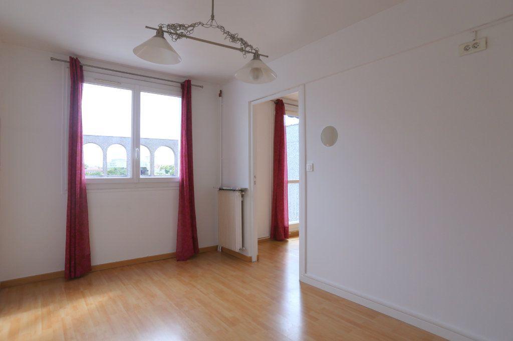 Appartement à louer 3 69m2 à Arcueil vignette-3