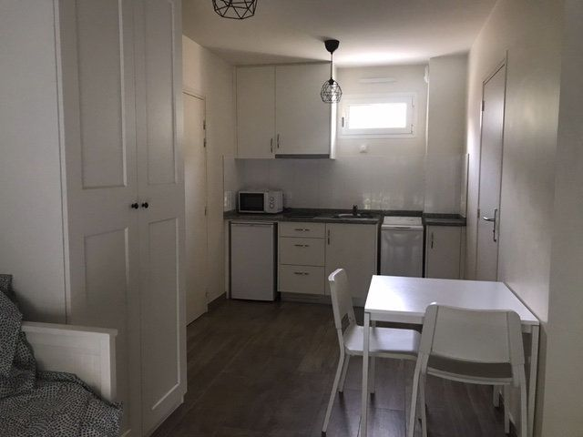 Appartement à louer 1 28m2 à Arcueil vignette-2
